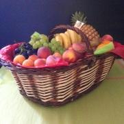 panier corbeille de fruits frais par les Jardins d'Olivier à Beaugency en Val de Loire